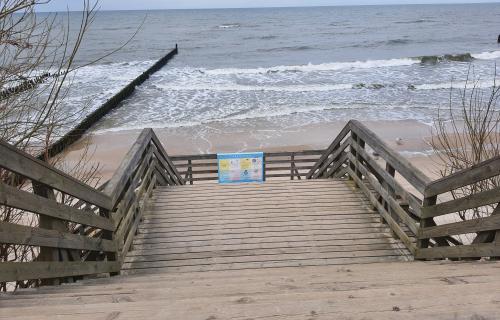 Plaża w Ustroniu Morskim w marcu